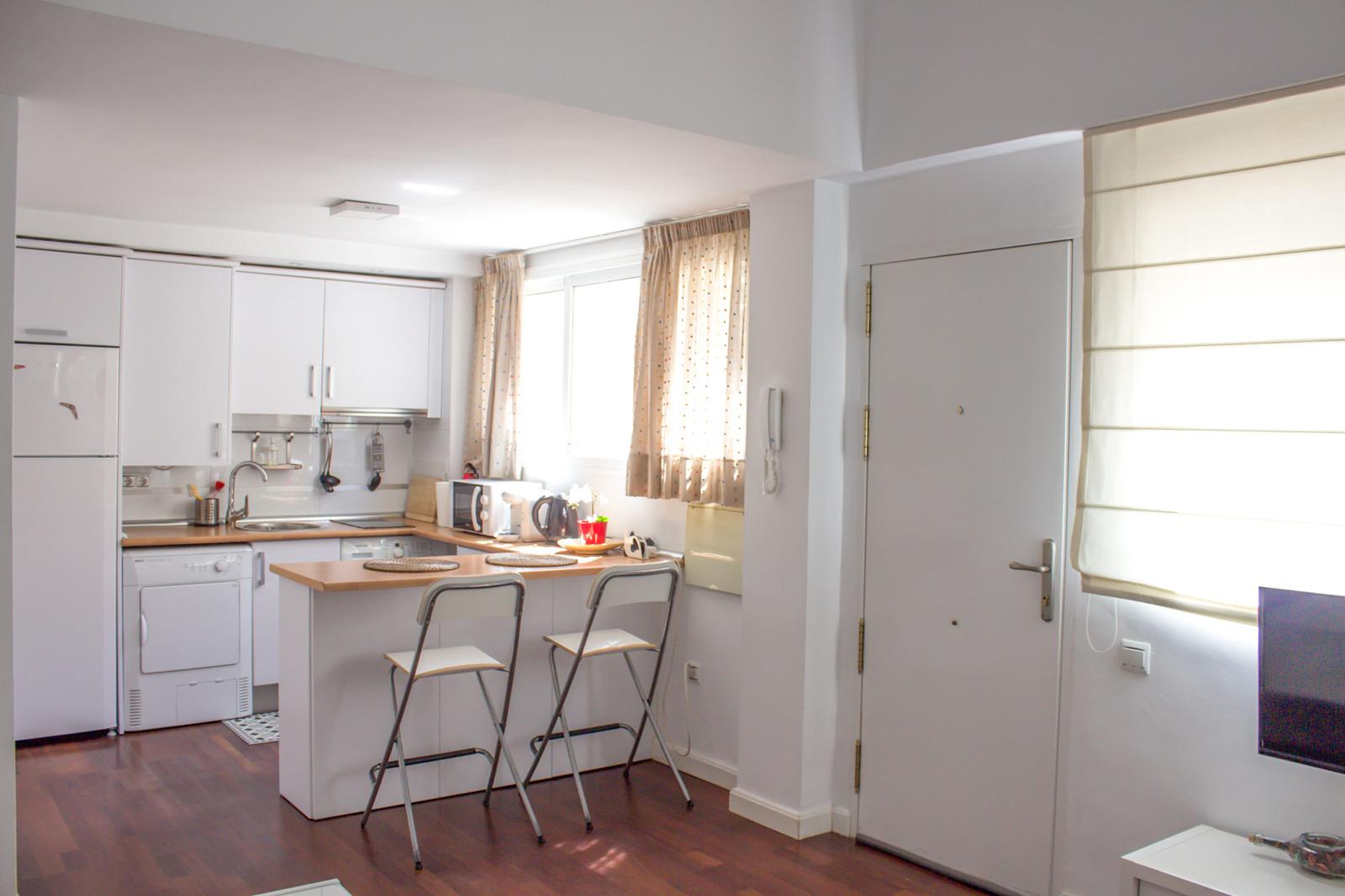 Apartamentos turísticos y vacacionales baratos en Málaga. Buenos precios en la zona de la playa, en El Palo y en la zona centro de la ciudad. Posibilidad de aparcamiento gratuito. - Duplex Centro con parking gratis