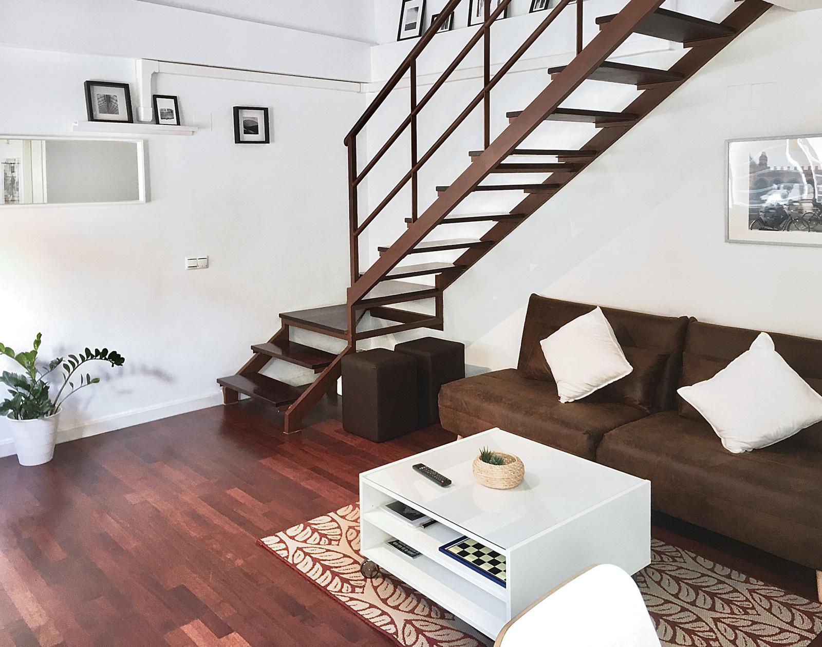 Holiday rental apartaments in Málaga. Apartments in the city center and El Palo beach. The best location in Málaga. - Duplex Centro con parking gratis